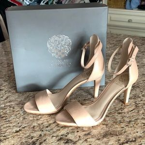 Vince camuto heal